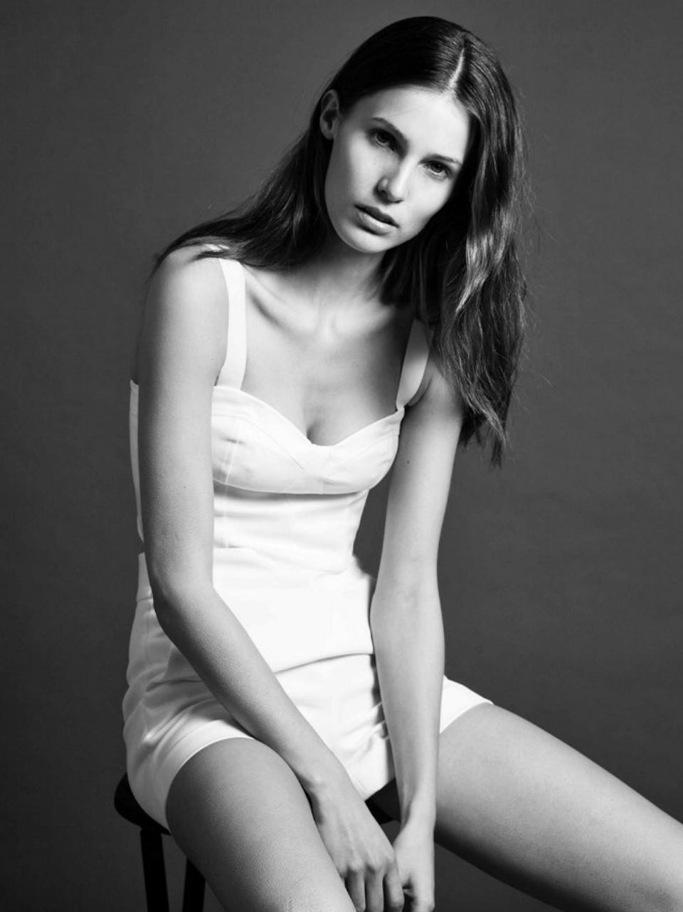 Teresa Dilger Nude Photos 51