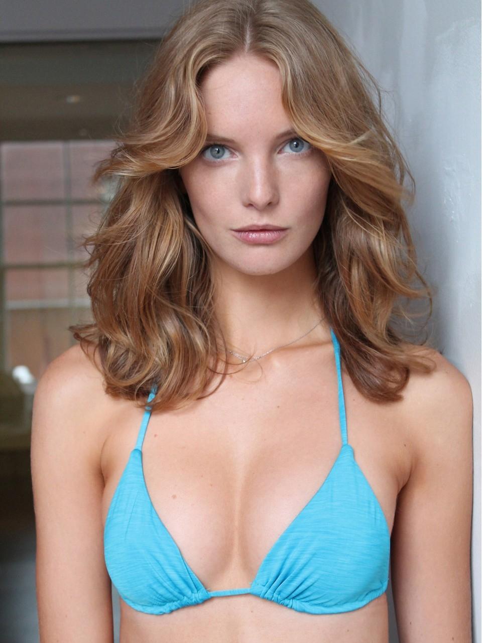Paparazzi Clara Settje nudes (28 photos), Tits, Sideboobs, Twitter, in bikini 2015